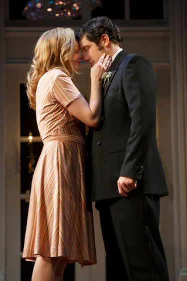 "Elisabeth Moss and Jason Biggs in a scene from ""The Heidi Chronicles"" (Photo credit: Joan Marcus)"