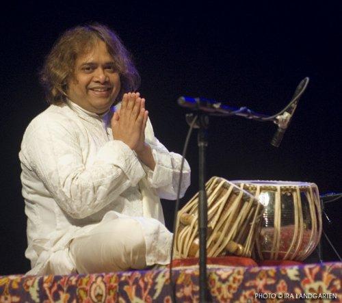 Hindole Majumdar in concert (Photo credit: Ira Langarten)