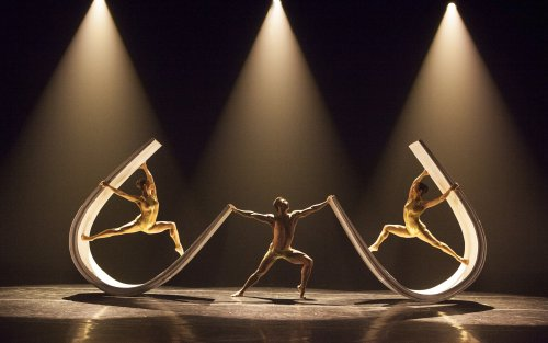 "A scene from ""Momix Alchemia"" (Photo credit: Todd Burnsed)"
