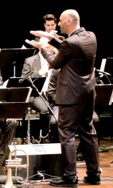 Founder/conductor Kornel Fekete-Kovacs and Modern Art Orchestra (Photo credit: Larry Appelman)