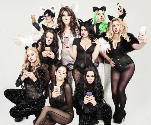 """The ensemble of """"Katdashians!Break the Musical"""" (Photo credit: Charlie Parden)"""