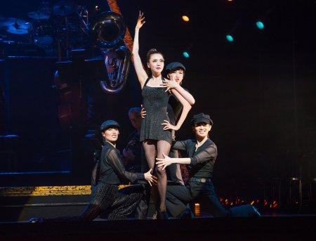 "Yoka Wao and cast in a scene fromTakarazuka ""Chicago"" (Stephanie Berger)"