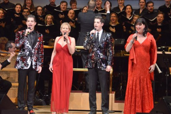 """Soloists sisters Liz Callaway, Ann Hampton Callaway and twins Will and Anthony Nunziata with Music Director Steven Reineke, The New York Pops and Essential Voices USA in """"Make the Season Bright"""" (December 16 & 17, 2016) (Photo credit: Maryann Lopinto)"""