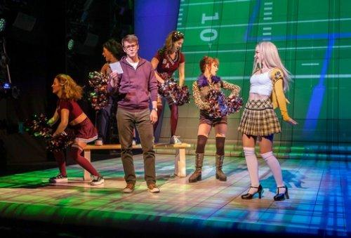 Clueless, The Musical - TheaterScene net